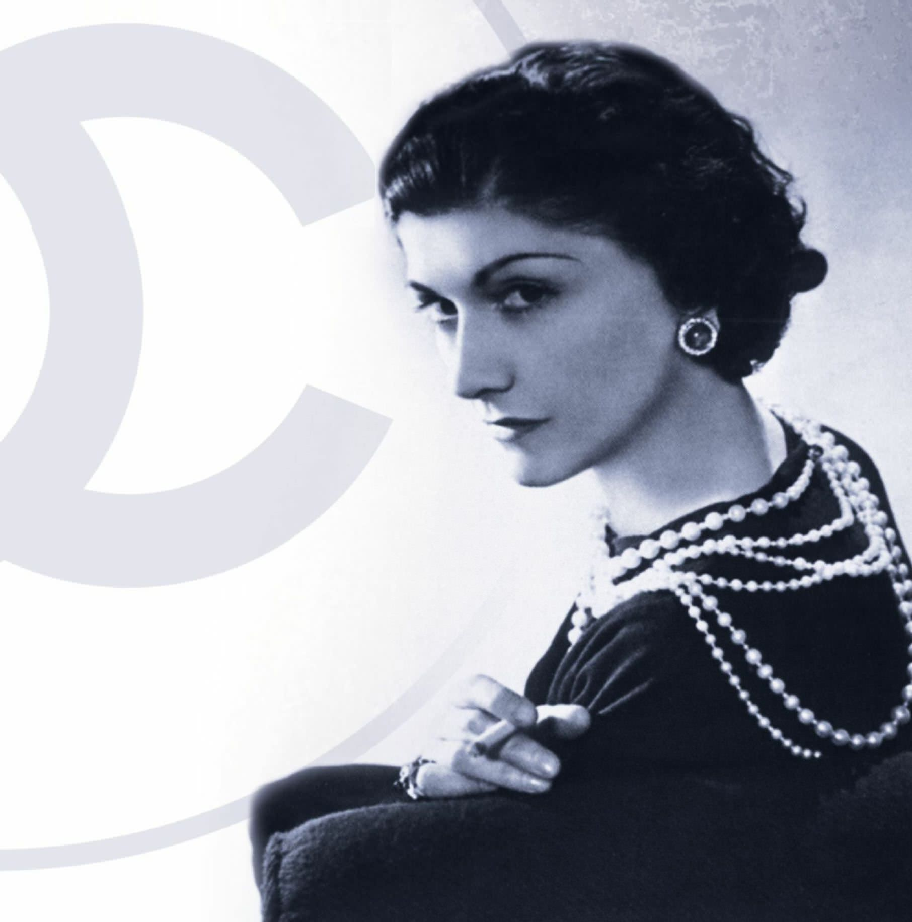 A Girl Should Be Two Things: Classy And Fabulous': Coco Chanel