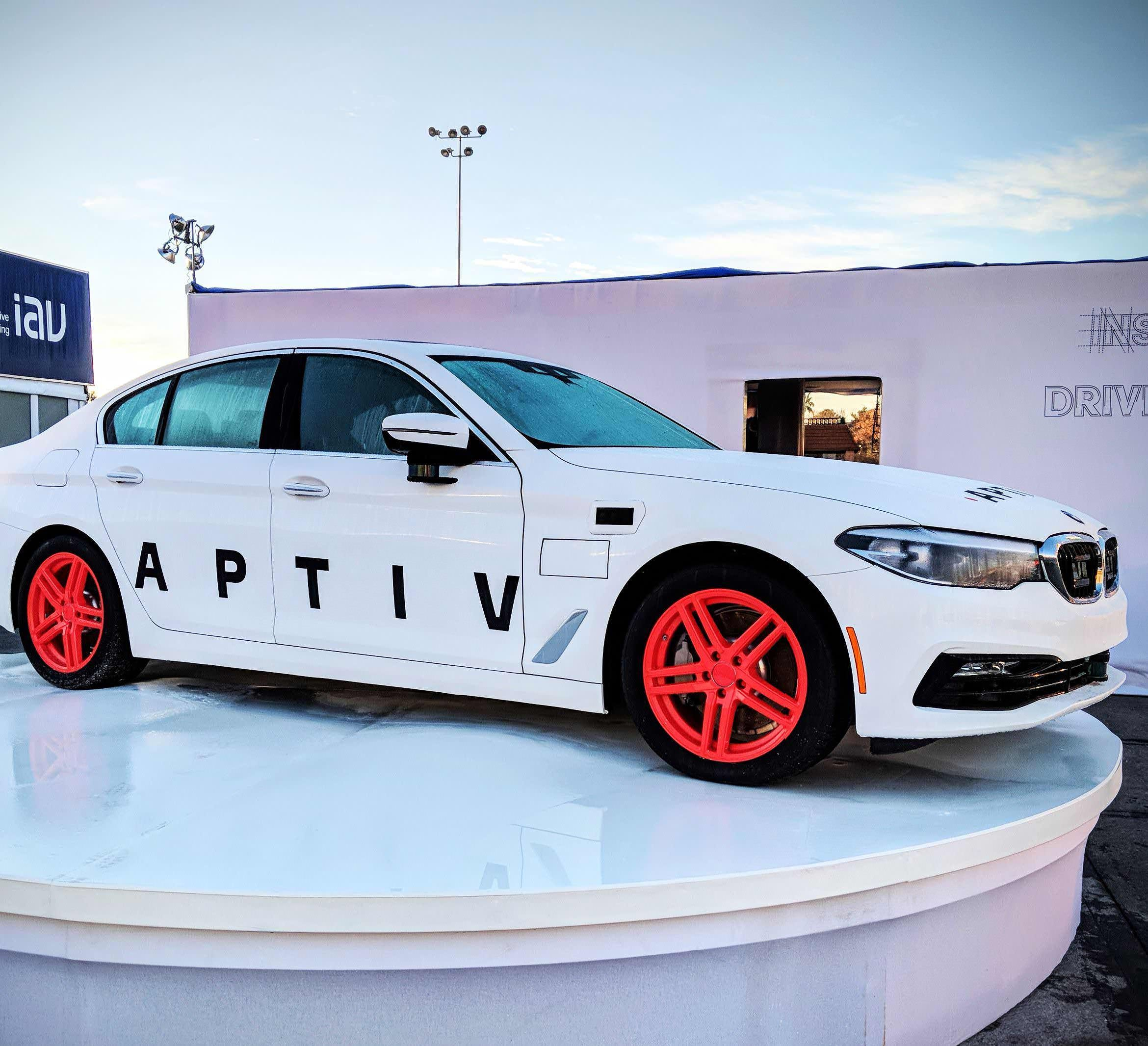 LYFT, APTIV To Launch Self-Driving Car Program In Las Vegas